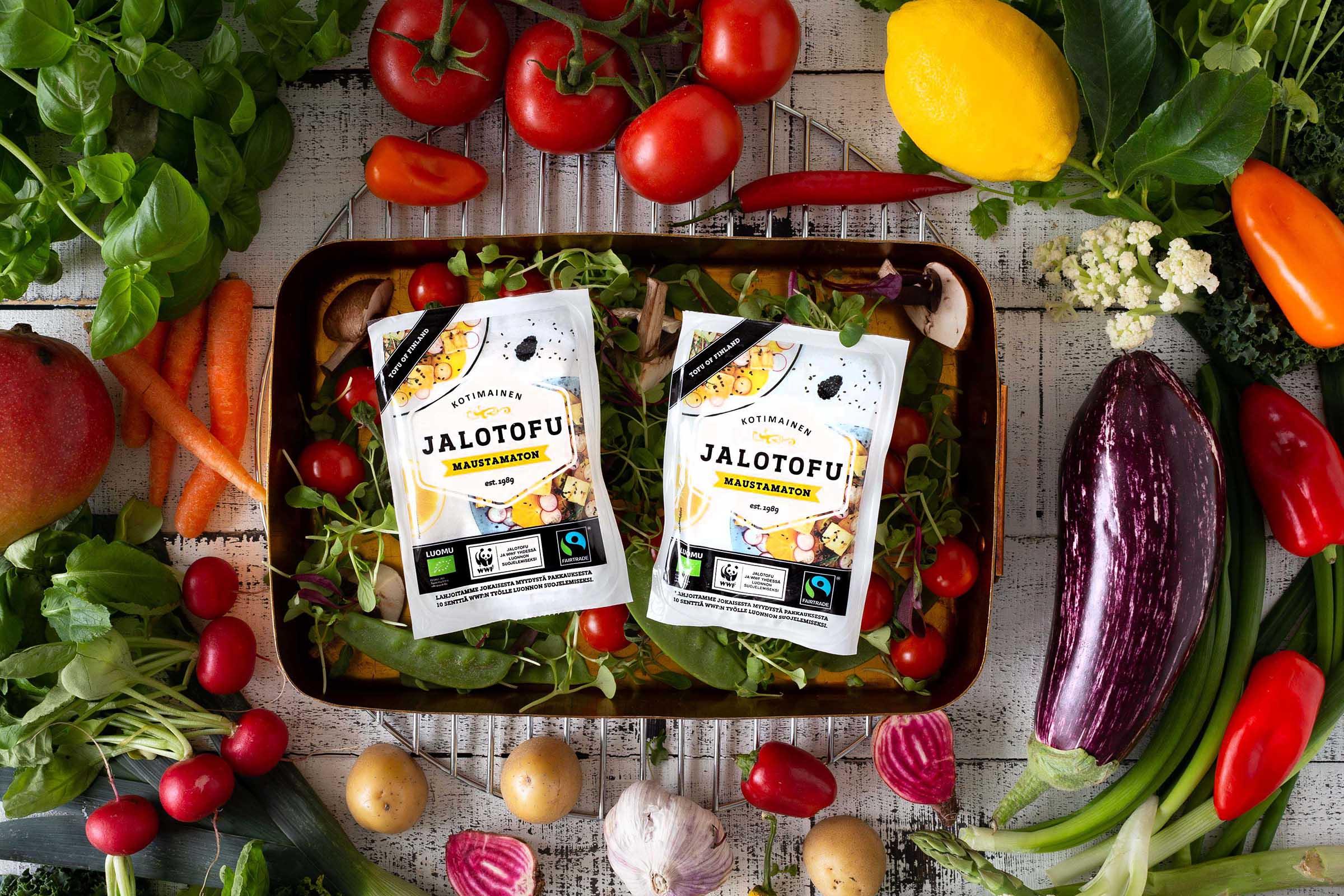 Jalofoods lahjoittaa 10 senttiä jokaisesta myydystä Jalotofu Maustamaton-tuotteesta WWF:n luonnonsuojelutyölle.